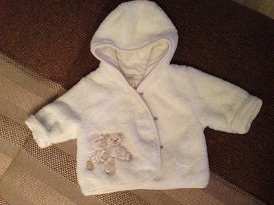 нежная милашная курточка с капюшоном унисекс на новорожденного 0-2 мес