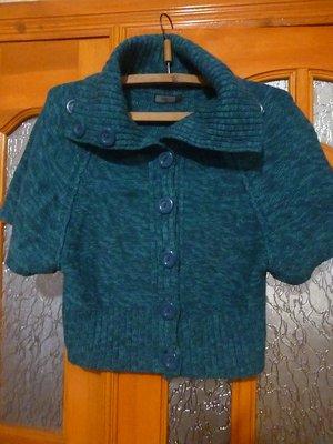 продам красивый свитер болеро на разм 46 или L в отличном состоянии, пересылаю