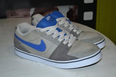 Стильные кроссовки Nike 24. 5 см