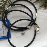 Шнурок жгутик каучук с серебряными широкими вставками 4011