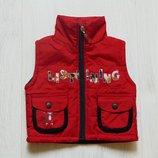 Яркая жилетка для модника. Внутри на флисовой подкладке. T.T Bao Bei. Размер 12 месяцев
