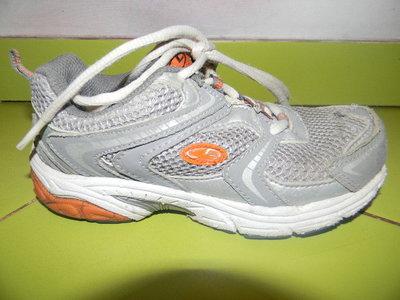 кроссовки на мальчика 19,5 см по стельке б/у