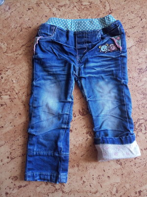 Продам джинсы на девочку утепленные