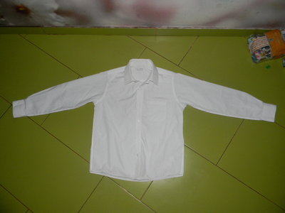рубашка M&S белая на мальчика 10 лет отл. сост.