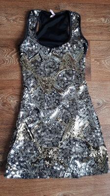 Блестящее нарядное платье для подростка на новый год из паеток