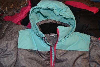 Куртка размер S, термо, зимняя, лыжная новая.рост 164 см.
