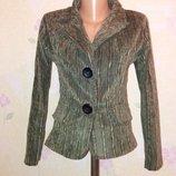 Вельветовый приталенный пиджак с-м