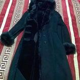 Дубленка оверсайз длина миди женская черная классика Натуральный мех с капюшоном