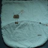 фирменная подушка в кроватку ,коляску