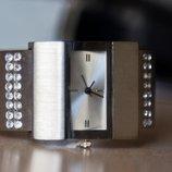 Часы - браслет женские, новые.