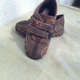 Продам туфли для мальчика 26р
