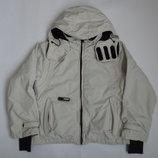 Курточка деми для ребенка на рост 130 см Reima