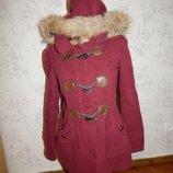 New Look пальто стильное с капюшоном, модного цвета марсала р8