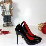 Женские туфли лодочки черные и бежевые