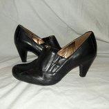 Туфли кожаные Clarks 38-39размер по стельке 25см