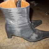 Женские осенние кожаные полуботики Spiral.