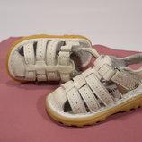 Босоніжки сандалі шкіряні Oms kids 12см до краю Сша