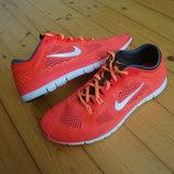 Кроссовки Nike Free Tr Fit 4 оригинал 41 разм