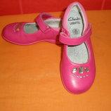 Красивейшие туфельки д/дев. р.25,5 8 F Clarks, с мигалками и стразами
