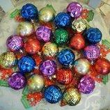 Красочные новогодние шарики украшение елка новый год декор дом интерьер праздник