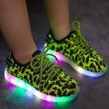 Кеды яркие с подсветкой, светящейся подошвой для девочек и мальчиков в наличии