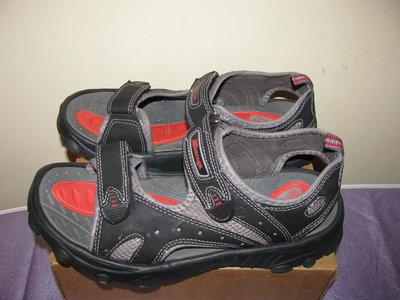 Босоножки сандалии новые Montega Оригинал Германия р.41 стелька 26,5 см