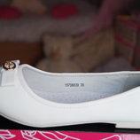 Туфли для девочки белые новые нарядные р. 32,34, 35