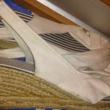 легкі білі плетені босоніжки р38-39