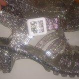 стильні срібні босоніжки р40 нові бірки Lilley