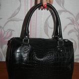 Черная кожаная сумка под крокодила. Made in Italy