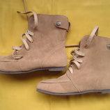 Стильные ботинки,р.39-40,отличное состояние