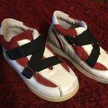 Детские ботинки на 22