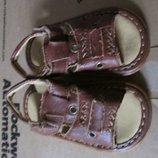Подарю к покупке сандалики 20 размер