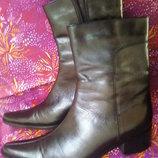 Крутые фирменные кожаные сапожки 24.5-25см