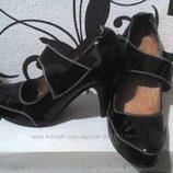 Кожаные черные туфельки 39 р.