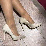 Женские туфли лодочки бежевые замшевые
