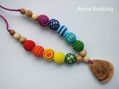Можжевеловые слингобусы Радужные с кулоном, мамабусы,яркие