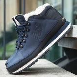 Элегантный зимний стиль в ботинках New Balance H754LFN.