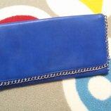Крутая сумочка-клатч от Internacionale