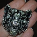 Красивая брошь Тигр.состояние новой