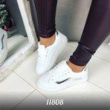 Женские белые кеды кроссовки на шнурках