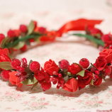 Красный венок / Венок из красных цветов