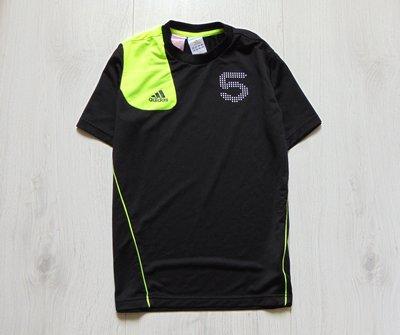 Спортивная футболка для парня. Adidas оригинал . Размер 13-14 лет. Состояние новой вещи