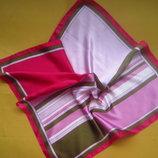 Яркий красивый платок,отличное состояние