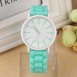 Супер цена Модные женские часы ,силиконовый ремешок