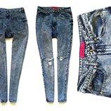 джинсы c высокой посадкой от Boohoo