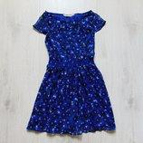 Стильное яркое платье для девочки. Внутри на подкладке. H&M. Размер 9-10 лет. Состояние новой вещи