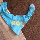 слюнявчик современного дизайна для малыша