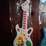 музыкальная гитара на батарейках
