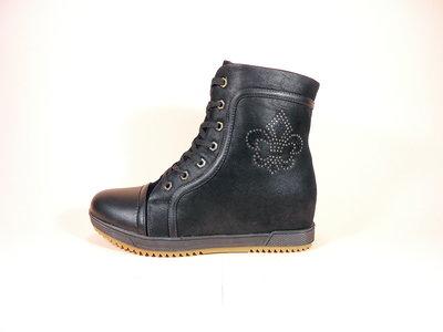 Модные демисезонные ботинки - сникерсы на шнуровке и молнии, на скрытой танкетке. Размер 36-41.